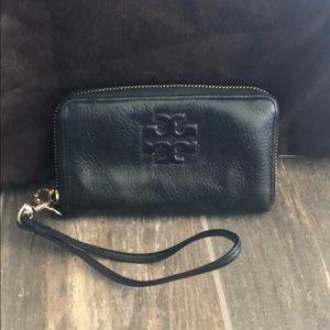 Authentic Tory Burch Black Leather Wristlet Wallet